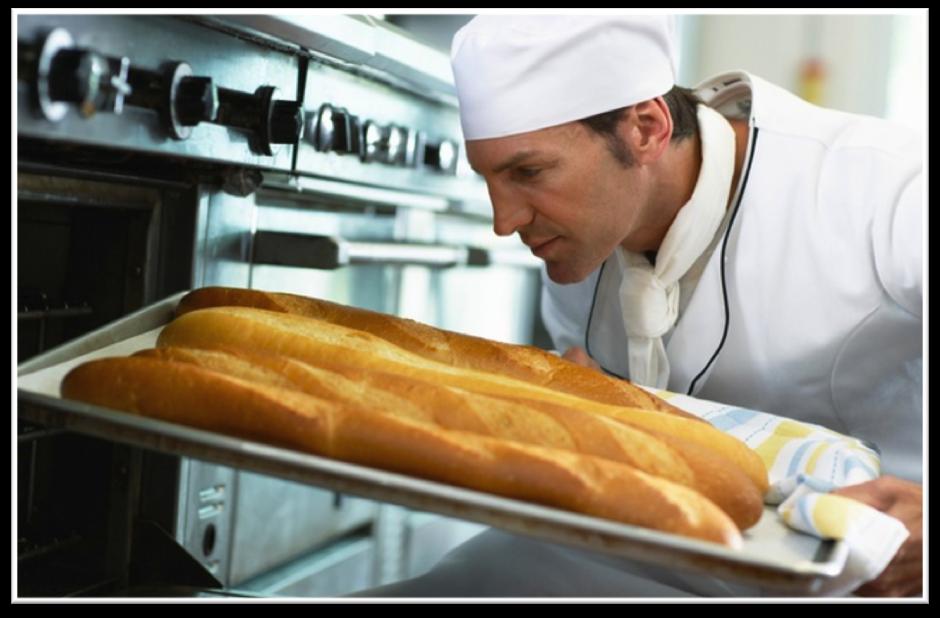 sacando el pan
